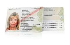 Ausweis_stehend